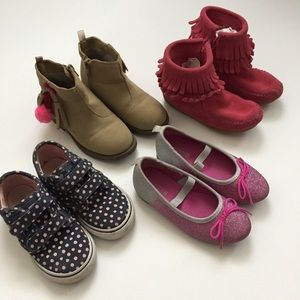 Girls/Toddler Shoe Lot Size8 VansMinnetonkaCarters